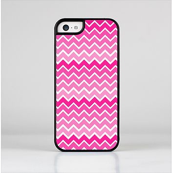 The Pink & White Ombre Chevron V2 Pattern Skin-Sert Case for the Apple iPhone 5c