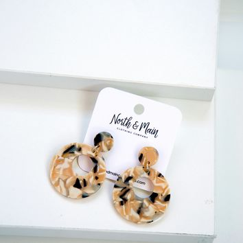 Marbella Circle Earrings, Creme