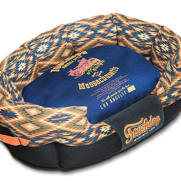 Touchdog 70's Vintage-Tribal Throwback Diamond Patterned Ultra-Plush Rectangular Rounded Dog Bed: Medium